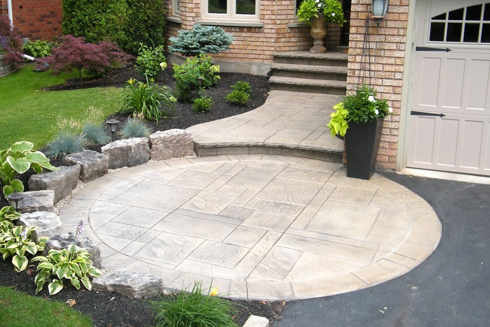 Stamped walkway circle